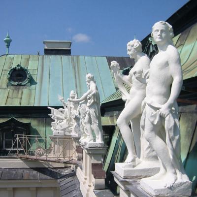 Restaurierung 47 barocker Skulpturen an der Attika des Oberen Belvedere